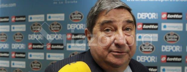 Augusto César Lendoiro en zona mixta tras el Deportivo - Atlético de Madrid en el Teresa Herrera