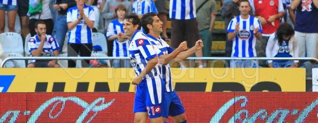 Riki y Valerón celebran el gol ante el Getafe