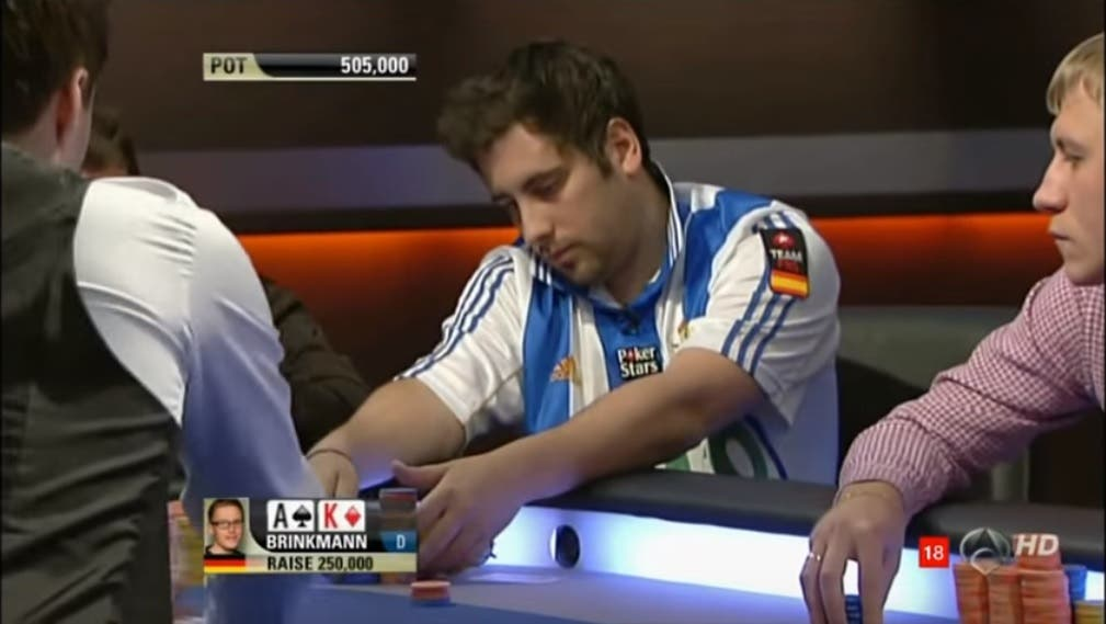 Juan Maceiras en la mesa final del EPT Madrid 2011. Imagen: Youtube.com