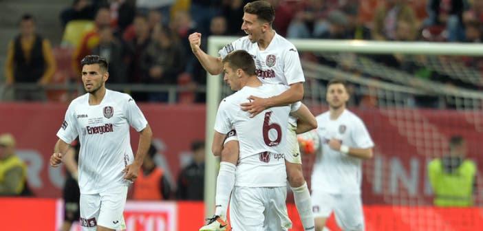 Juan Carlos celebra el 2-1 que abre la remontada // Imagen: Prosport.ro