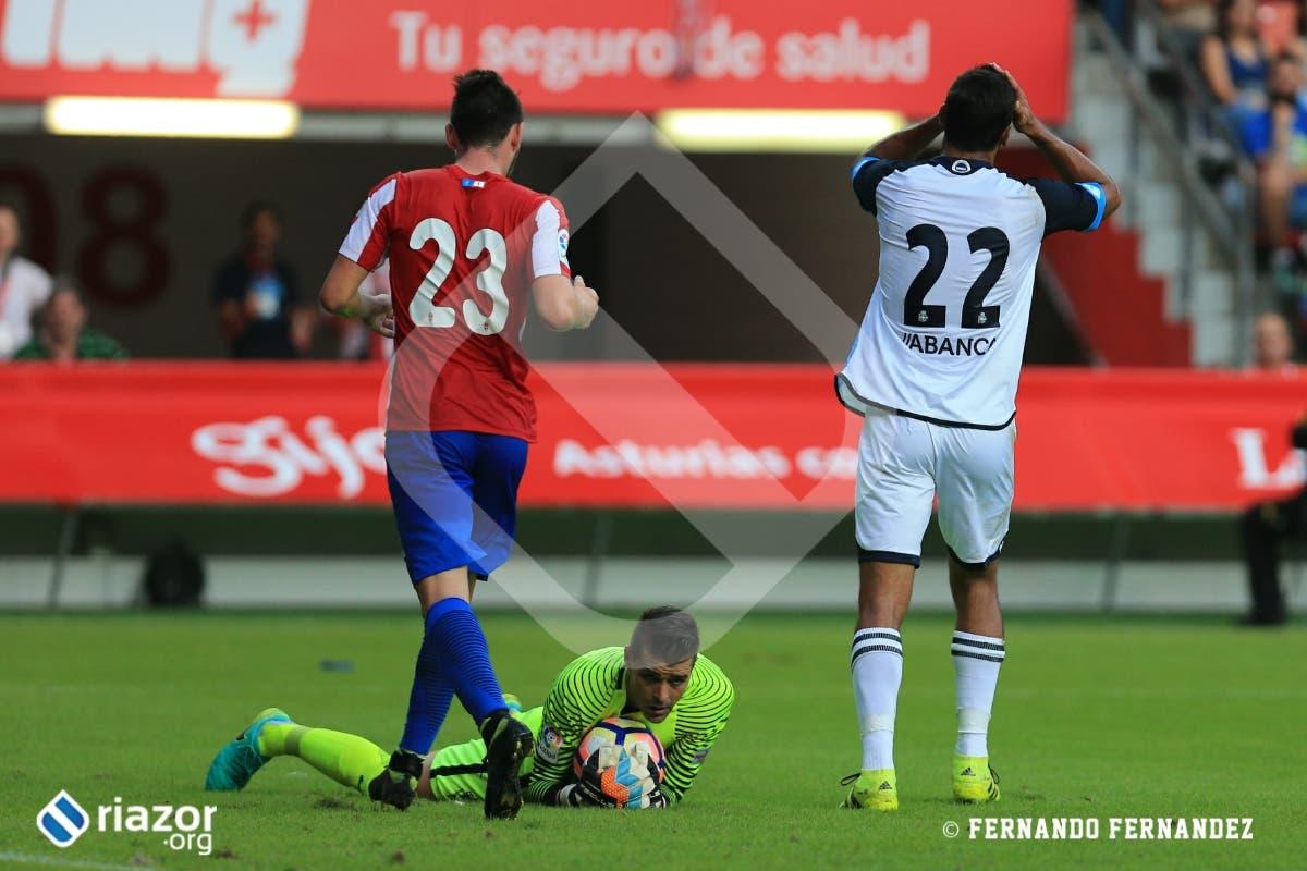 Celso Borges, lamentándose tras una buena jugada de Lucas