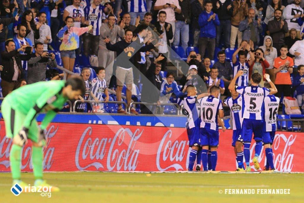 El Deportivo se llevó así los tres puntos tras remontar al Eibar.