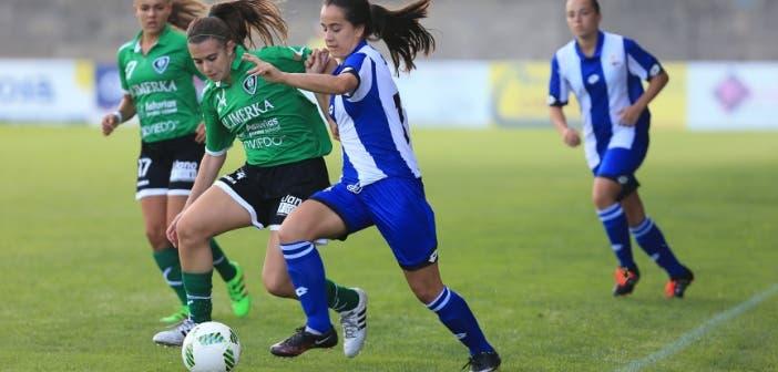 Nuria Rábano durante un Dépor Femenino - Oviedo