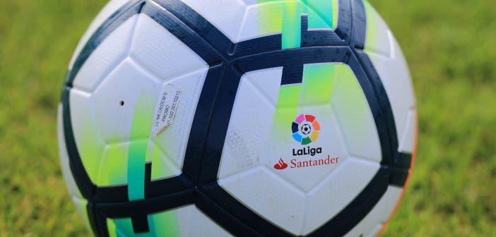 Balón de LaLiga Santander en Abegondo
