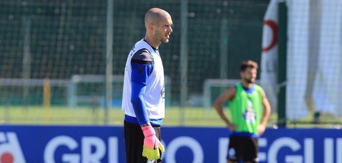 Rubén Martínez con Bruno Gama de fondo entrenamiento del Deportivo Coruña del 28 de julio