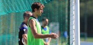 Pedro Mosquera con el peto entrenamiento del Deportivo Coruña del 28 de julio