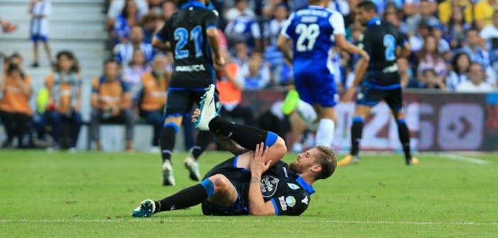 Raúl Albentosa lesionado en el amistoso entre FC Porto y Deportivo