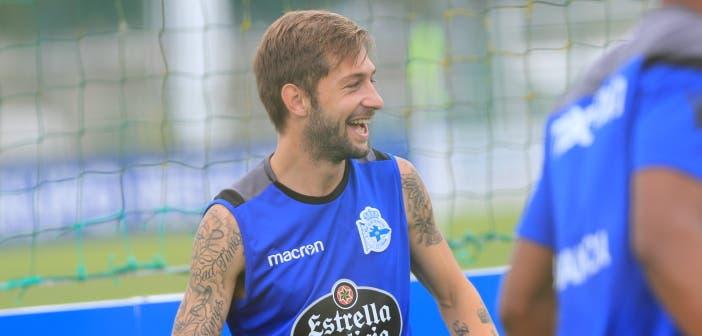 Fede Cartabia sonriendo entrenamiento Deportivo 24 de agosto 2017