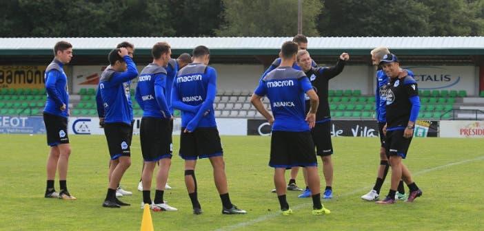Entrenamiento del Deportivo en Vilalba, instrucciones a los jugadores