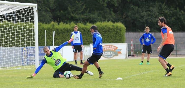 Rubén parada a Bakkali en entrenamiento Vilalba del 8 de agosto 2017
