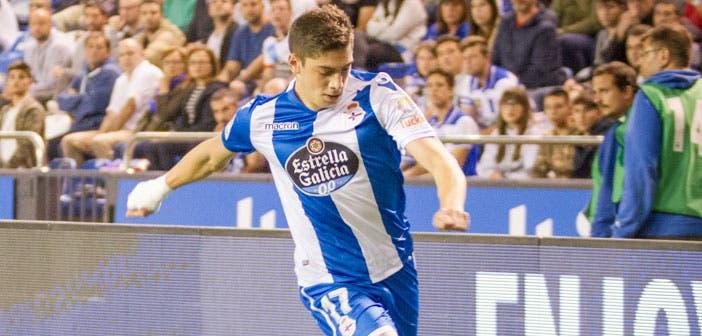 Fede Valverde, en una acción del Deportivo - Alavés