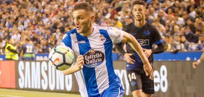 Lucas Pérez en el encuentro entre Deportivo y Alavés en Riazor