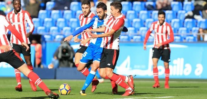 Deportivo - Athletic: Adrián disparando