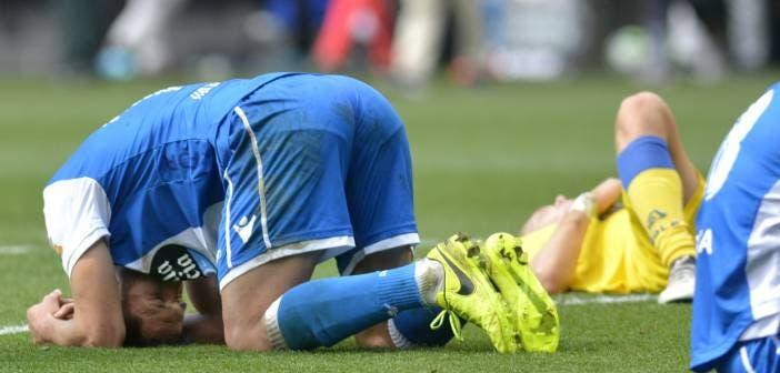 Andone se lamenta al final del enuentro entre Deportivo y Las Palmas