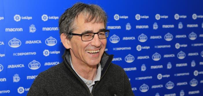 Fernando Vázquez ensaya con el posible once de Zaragoza