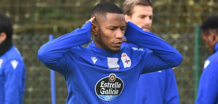 Claudio Beauvue en un entrenamiento con el Deportivo