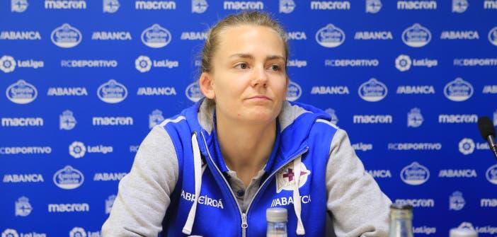 Esther Sullastres en una rueda de prensa del Deportivo