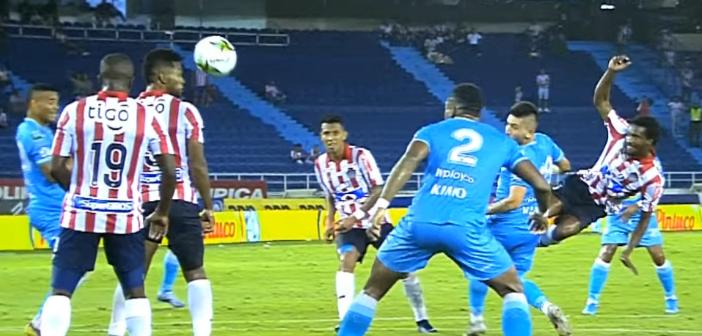 Didier Moreno marca un gol con Junior