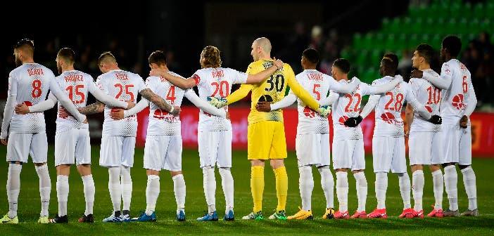 Jugadores del Nymes durante un partido de la Ligue 1