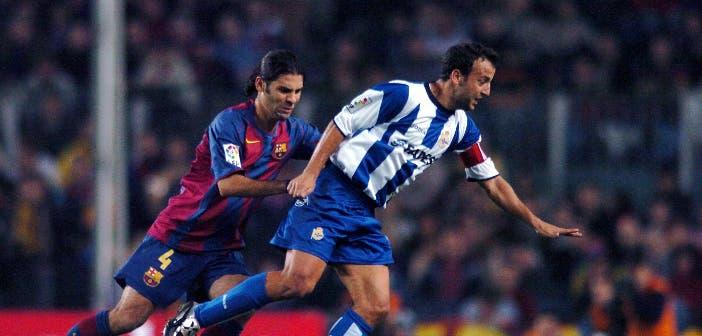 Fran en un partido entre Deportivo y Barcelona
