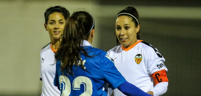 Mari Paz en un Valencia vs Dépor Abanca