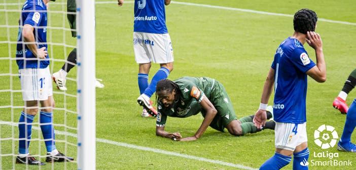 Abdoulaye Ba en el Oviedo vs Deportivo