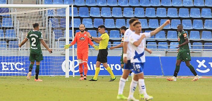 Mujaid, penalti contra el Tenerife
