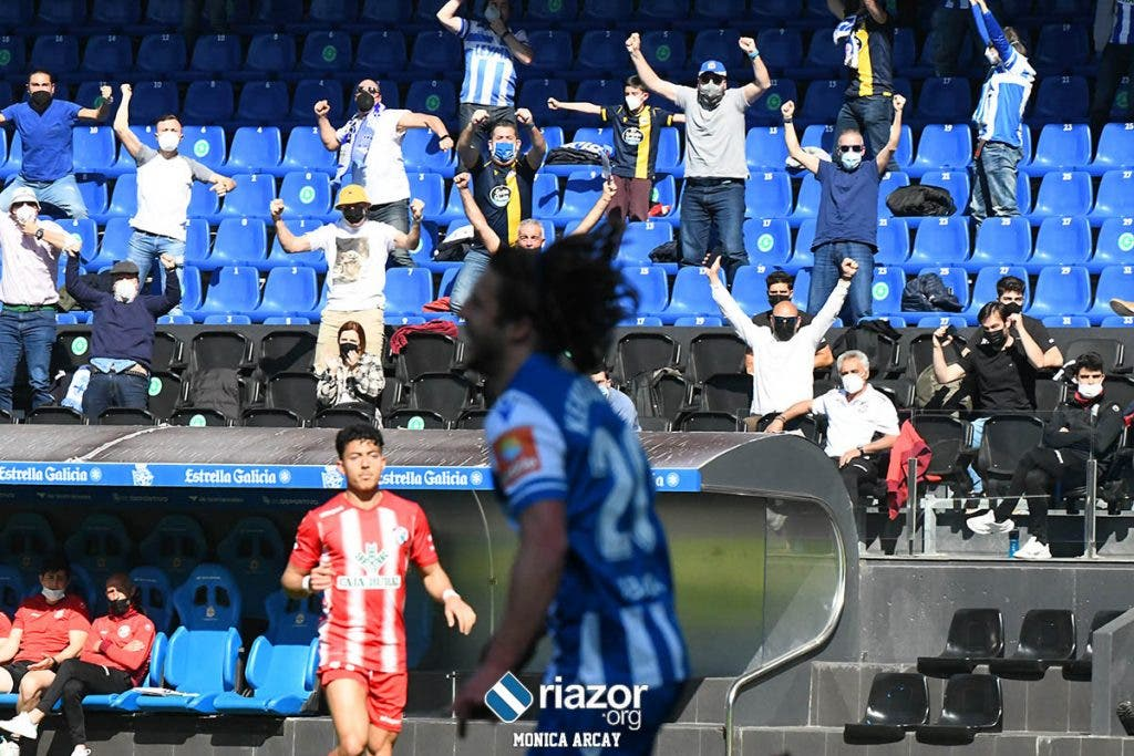 Afición en Riazor en el Deportivo vs Zamora