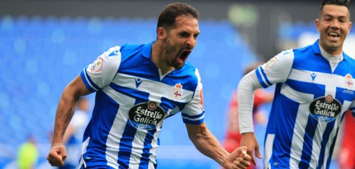 Celso Borges celebra un gol con el Deportivo
