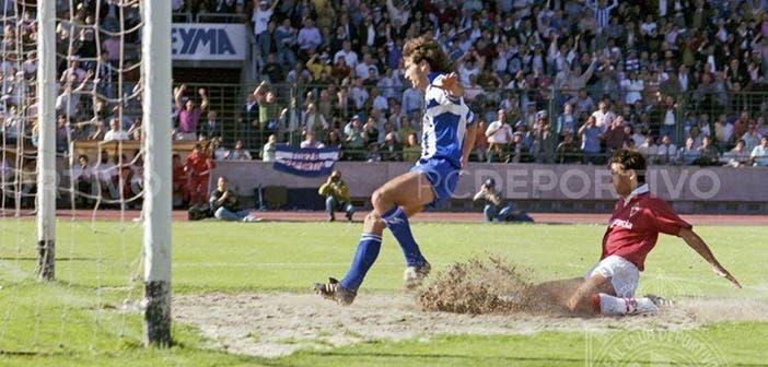 Stojadinovic marcando al Murcia en el ascenso de 1991