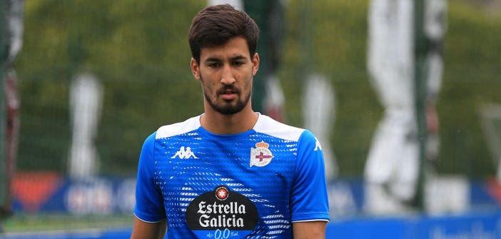 Pablo Trigueros en un entrenamiento del Deportivo